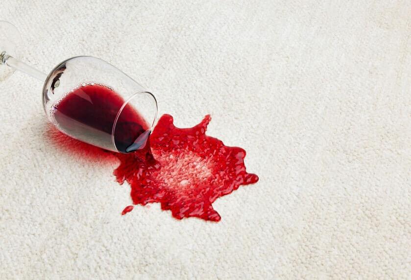 Umgekipptes Rotweinglas